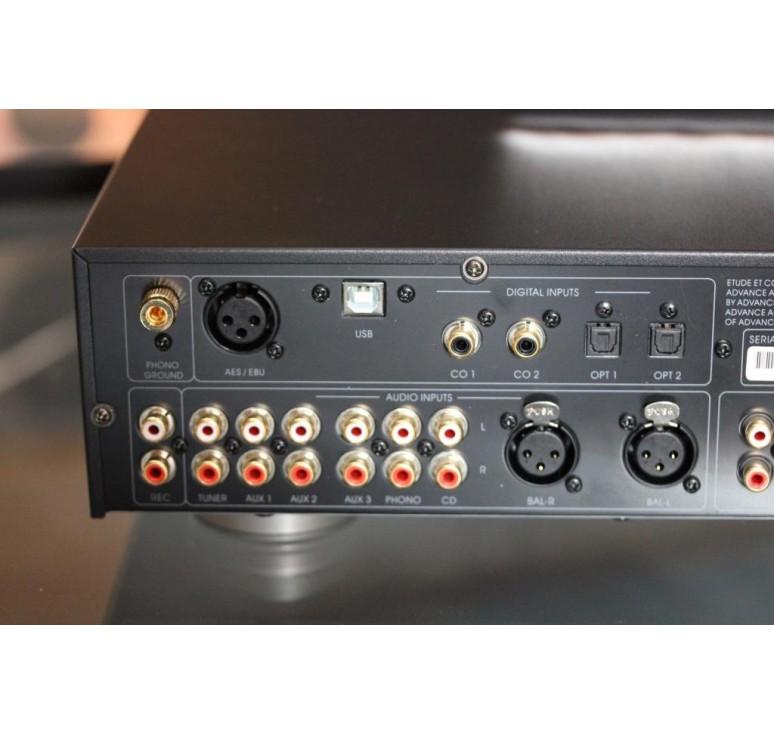 connectique preampli advance acoustic